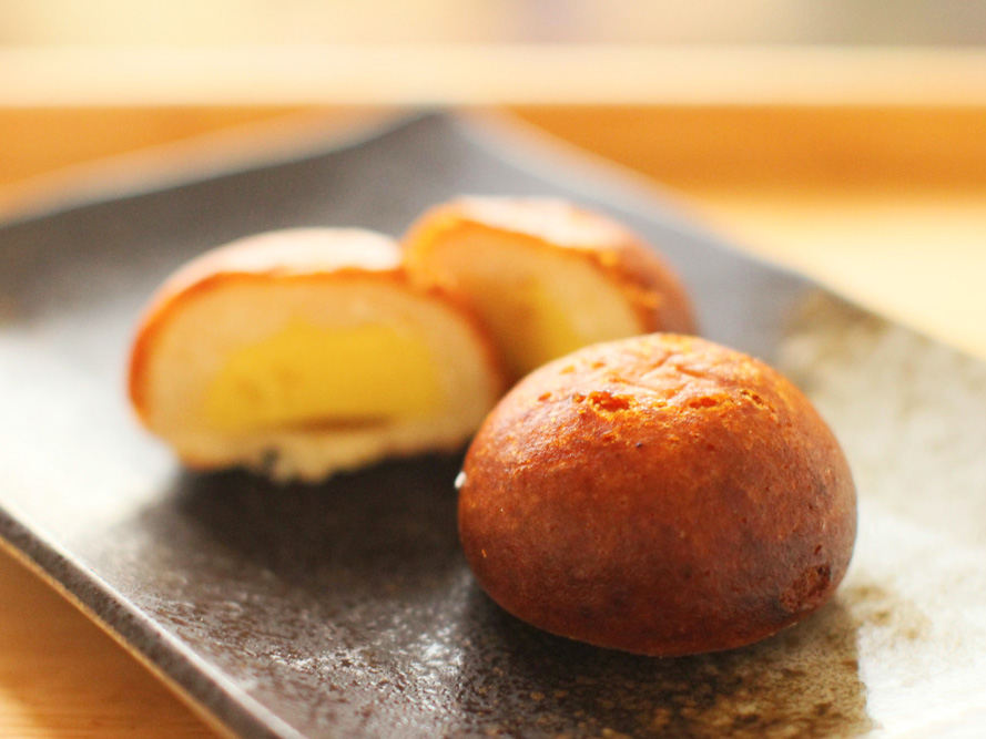 「神戸天ペロ」の揚げ饅頭