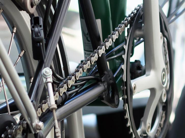 折りたたみ自転車ブロンプトンのチェーン・ギア周りの写真