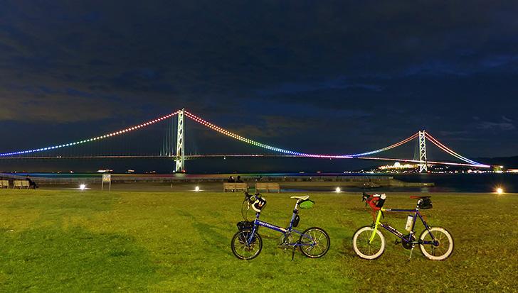 夏の夕方のサイクリングの写真