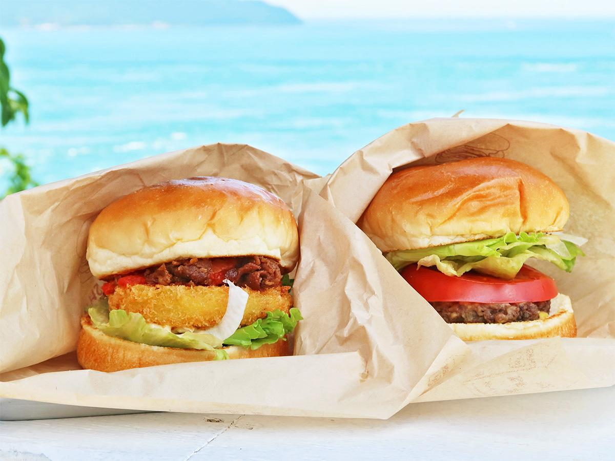 「あわじ島バーガー」を2種類並べた写真