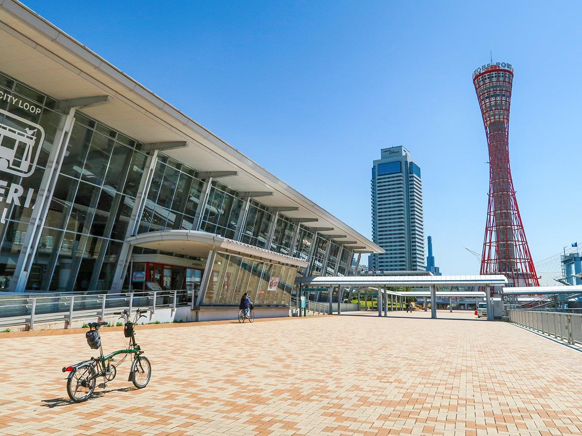 神戸港で撮影されたブロンプトンの写真