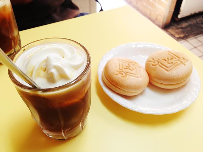 「クリームコーヒー」と「アイスモナカ」の写真。