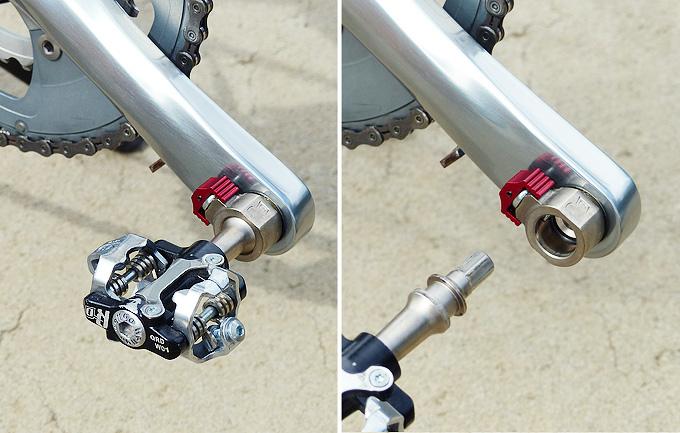 「Wellgo(ウェルゴ)」の着脱式ペダル「QRD」のペダルが自転車のクランクから取り外されているところの写真。