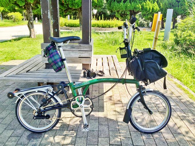 折りたたみ自転車ブロンプトンの写真